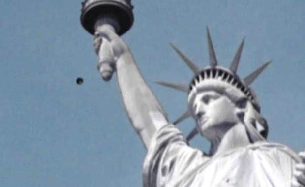 ufo della statua della libertà