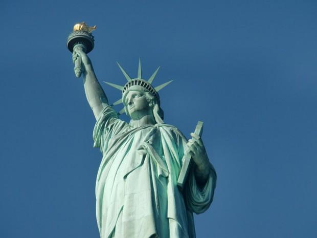 ufo statua libertà